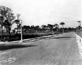 1927 Looking north along Mount Vernon Ave